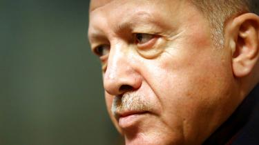 Tyrkiets præsident, Recep Tayyip Erdogan, vil sende en militærstyrke til Libyen på anmodning af den FN-anerkendte regering i Tripoli. Dettetilspidser en i forvejen betændt situation i det østlige Middelhavet.