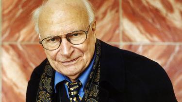 Historiker Reinhart Koselleck, som vi ser på billedet, indledte i 1953 en brevveksling med retsfilosof Carl Schmitt. Denne brevveksling kan nu læses i 'Der Briefwechsel – 1953-1983'.