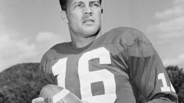 Fortælleren Frederick Exley er nærmest besat af New York Giants' stjernespiller Frank Gifford (billedet).