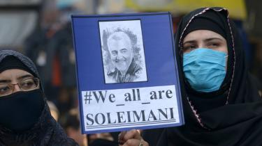 Millioner af iranere har været på gaden i protest mod USA's likvidering af generel Suleimani.En likvidering, derhar tvunget Iraks magtelite til at revurdere forholdet til amerikanerne, og søndag den 5. januar stemte Iraks parlament, at de amerikanske styrker skal ud af landet.