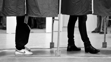 En ny valgundersøgelse viser, at den rekordhøje valgdeltagelse vedEU-valget sidste år især var båret af unge førstegangsvælgere. Dog viser undersøgelsen desværre også, at danskere med lavere uddannelser har en markant laverevalgdeltagelse end danskere med lange, videregående uddannelser, skriver Christian Bennike på lederplads.