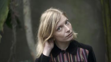 Selv om romangenren er ny for Asta Olivia Nordenhof, er fokus stadig det samme: det udsatte liv i alle dets facetter.