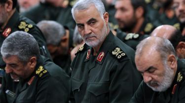 Den 3. januar i år blev generalmajor Qassem Suleimani, øverstkommanderende for Quds-styrken, dræbt i et amerikansk droneangreb. Ham havde de fleste af os ikke lige hørt om før. Men nu vil vi gerne lære mere om denne person.