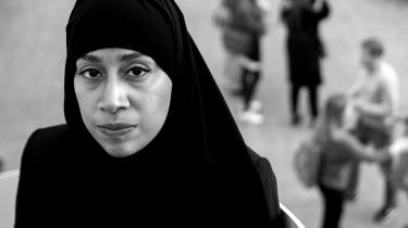 Muslimske kvinder søger ofte hjælp hos en imam, når de har problemer med at blive skilt. Men imamerne har sjældent mulighed for at hjælpe kvinderne, som derfor føler sig nødsaget til at afslutte ægteskaberne på risikable måder, siger Sabba Mirza, som har bidraget til en ny rapport om minoritetskvinders problemer med at blive skilt