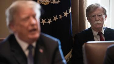 John Bolton fortæller i sin endnu ikke udgivne bog om sine egne og andre rådgiveres mange forgæves forsøg på at få Trump til ikke at tilbageholde militærbistand til Ukraine.
