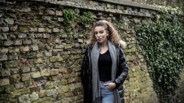 23-årige Sabrina Ferraz, hvis forældre er indvandrere fra Algeriet, har i de seneste år fem gange været i Algeriet for at deltage i demonstrationer for demokrati.