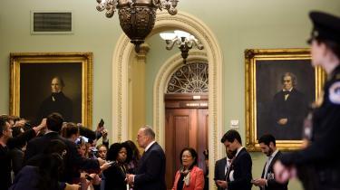 Den demokratiske mindretalsleder i Senatet, Chuck Schumer, beskyldte republikanerne for at have svigtet deres institutionelle ansvar ved at »vende det døve øre til sandheden og gøre retssagen til humbug.«