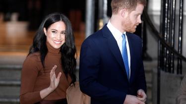 Prins Harry og Meghan Markle hertuginde af Sussex valgte omkring årsskiftet at trække sig fra mange af deres royale forpligtelser. Det er blandt andet ønsket om selvforsørgelse, samt mere privatliv, der ligger til grund for beslutningen, lyder det fra de to.