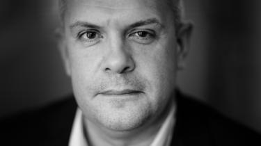 Forfatter Mikael Buschs udtalte antipati imod Bjarne Corydon spænder ben for hans bog om den tidligere finansminister.