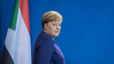 CDU efter kansler Angela Merkel står over for et enormt genopbygningsarbejde af partiets politiske profil. 'Målet må være at skabe en skarp profil for CDU som en samlingsbevægelse for den borgerlige midte. CDU bør have glasklare principper og samtidig være i stand til at handle mere pragmatisk i situationer som i Thüringen. Det kan man godt formidle til vælgerne, hvis man som parti har faste holdninger og ikke lader sig drive af en rød-grøn tidsånd, som CDU for tiden gør det,' siger historikeren og CDU-kenderen Andreas Rödder.