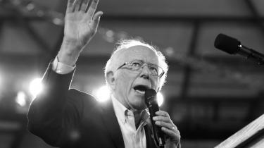 Hvis Bernie Sanders politik svarer til at love amerikanerne små heste, er demokraterne blevet et parti af hestehandlere, skriver Rune Lykkeberg i anmeldelsen af bogen 'Code Red - How Progressives and Moderates Can Unite to Save Our Country'.