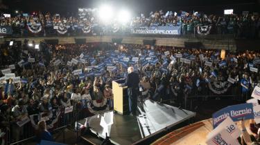 Bernie Sanders præsenterede ved sin sejrstale i San Antonio, Texas, lørdag aften sin hustru Jane O'Meara Sanders som »USA's næste førstedame«. Efter sin overbevisende sejr i Nevada lørdag synes nomineringen til Det Demokratiske Partis præsidentkandidat i 2020 at være inden for rækkevidde.