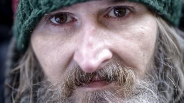 Jacob Carl Nellesø får lægeordineret medicinsk cannabis mod fantomsmerter fra et amputeret ben. Til marts skal han afsone 90 dage i Sdr. Omme Fængsel, og han bliver dermed den første i Danmark, der har ret til at indtage ren cannabis under afsoning i et fængsel