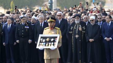 En ceremoni i Egypten for den afdøde præsident Hosni Mubarak, der blev 91 år.