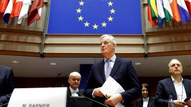Allerede inden forhandlingerne om en ny aftale mellem EU og Storbritannien officielt begynder i Bruxelles mandag, er briterne i gang med at spinne præmisserne, mener Brexit-forhandler, Michel Barnier,og EU.