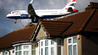 Den britiske appelret har kendt grundlaget for et udvidelsesprojekt af Heathrow Airport i London for ulovligt, dette begrundes med at udvidelsen vil være modstridende med Storbritaniens klimamæssige forpligtelser i forhold til Parisaftalen.
