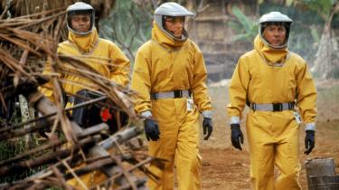 I filmen 'Outbreak', fra 1995, slår en ukendt virus folk ihjel i Afrika i løbet af få timer og spreder sig via en abe til Amerika. Dustin Hoffmann forsøger at indkredse dens udspring, men har samtidig magtfulde modstandere imod sig.