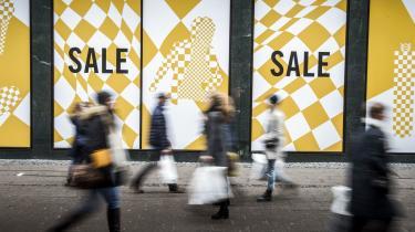 Det er på tide, at vi stopper med at spille hasard med livets eksistensbetingelser, og kalder forbrugerismen for det bluff, den er, skriver Nina Bjarup Vetter i dette debatindlæg.