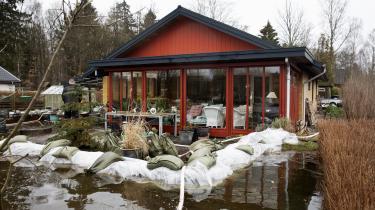 Hvem skal betale for at sikre borgerne mod oversvømmelser som her i Silkeborg? Borgerne selv, kommunerne eller staten?