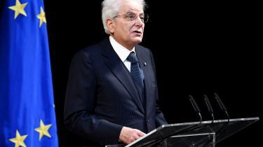 Den italienske præsident, Sergio Mattarella, påpeger, at det i coronakrisen burde være tid til europæisk solidaritet. Det gør hanefterChristineLagardesudmelding om, at Den Europæiske Centralbanksjob ikke er »at lukke rentespredningen« – altså at holde renten nede for kriseramte stater.