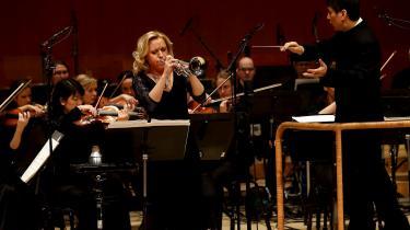 Norske Tine Thing Helseth er en af vor tids største trompetister, mener musikanmelder Valdemar Lønsted, og Bent Sørensen har skrevet et skønhedssøgende værk med hende i tankerne, som udforsker trompetens retoriske potentiale.