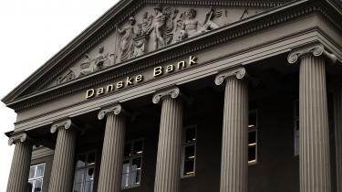 Erhvervsminister Simon Kollerup formulerede bankernes ansvar såledesi en pressemeddelelse:»Under finanskrisen holdt samfundet hånden under bankerne. Nu er vi i en coronakrise, og her skal bankerne holde hånden under samfundet.«