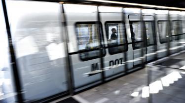 Københavns Metro bliver midlertidigt lukket, grundet vinterens ekstreme nedbørsmængder.