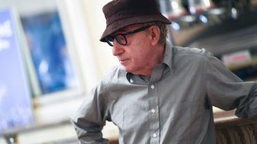 Udgivelsen af Woody Allens selvbiografi var blevet aflyst, grundet anklager om overgreb, men nu udgives bogen alligevel.