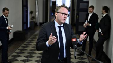 Skatteminister Morten Bødskov meldte i 2019 ud, at man ville styrke kontrollen på momsområdet. Derfor er regeringen og partierne bag finansloven også blevet enige om, at der skal ansættes 1.000 nye medarbejdere til skattekontrollen frem mod 2023.