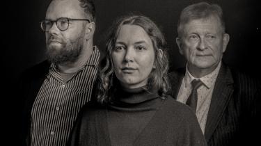 Er '20 før 20'selv en litterær begivenhed? Ja, i dansk litteraturhistorisk sammenhæng leverer den en fornyelse af den litteraturhistoriske metode, skriver Lars Handesten, der bl.a. er anmelder ved Kristeligt Dagblad.