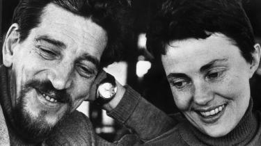 Den svenske forfatter Maj Sjöwall blev 84 år. Sammen med sin partner Per Wahlöo skrev hun revolutionerende kriminalromaner. Her ses parret i 1971.