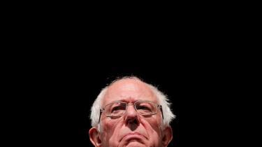 Demokraten Bernie Sanders stod med sin britiske meningsfælle Jeremy Corbyn for en fornyelse af socialismen. Nu diskuterer den britiske og den amerikanske venstrefløj livligt, hvad læren af deres nederlag er.