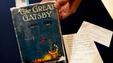 F. Scott Fitzgeralds 'The Great Gatsby' udtrykker 'antihvide' følelser, mente bestyrelsen i det lokale skoledistrikt i Alaska, da den for nyligt med stemmerne 5-2 sortlistede bogen. Alle fem stemmer for forbuddet kom fra ældre, hvide mænd.