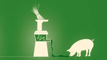 Danmark importerer årligt godt én million ton soja, der bruges som foderprotein til svin og kyllinger. Men rundt om i verden skader sojaproduktion både miljø og klima. Heldigvis har danske forskere et grønnere alternativ klar: græsprotein. Det fortæller Morten Ambye-Jensen fra Aarhus Universitet om i ugens afsnit