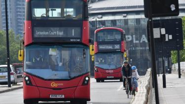 'Den eneste måde, vi kan afvikle trafikken på, så folk når frem uden at belaste vejnet og kollektiv transport, er, hvis folk i stedet tager cyklen eller går overalt, hvor de har mulighed for det,' siger Will Norman, der er direktør i forvaltningen for fodgænger- og cykeltrafik i London.