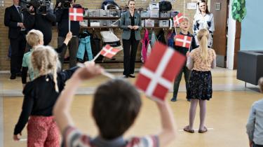 Statsminister Mette Frederiksen besøger Stolpedalskolen i Aalborg, mandag 18. maj 2020. Det bragte 21 Søndag på DR forleden. Et tweet fra Naser Khader om indslaget ender med at blive BT.dk's hovedhistorie.