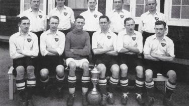 Første danmarksmesterskab til B.93 med Poul Zølck på holdet. Året er 1927, og han sidder forrest, nummer et fra venstre. Ved sin side har han Fritz Tarp og bagest i midten Michael Rohde. De deltog også begge i det uafsluttede mesterskab året efter.