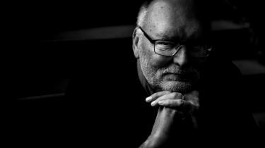 »Det stråler ud af hver side, at Leif Davidsen ved, hvad han skriver om, men researchmaterialet er doseret med lettere hånd end sidst, hvor det indimellem fremstod, som om alle følte sig forpligtet til at redegøre for russisk kultur og historie,« skriver anmelder Tonny Vorm.