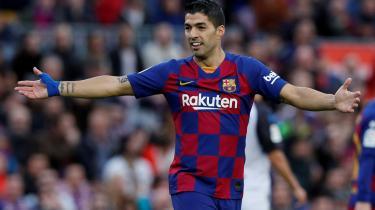 Barcelonas placering i toppen af ligaen er ikke urørlig. Men jokeren Luis Suarez, her under et opgør på Camp Nou mod Baskerlandets Deportivo Alavés i december, er tilbage efter en skade. Og dermed står og falder det meste ikke kun med Lionel Messi.