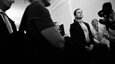 Finansminister Nicolai Wammen (S), Pernille Skipper (EL), Troels Lund Poulsen (V), Josephine Fock (ALT), Pia Olsen Dyhr (SF) og beskæftigelsesminister Peter Hummelgaard (S) efter forhandlinger om den økonomiske sommerpakke i Finansministeriet i København natten til mandag.