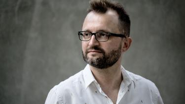 Professor og litteraturkritiker Lasse Horne Kjældgaard blev mandag valgt som sekretær for Det Danske Akademi, hvor han afløser digteren Søren Ulrik Thomsen.