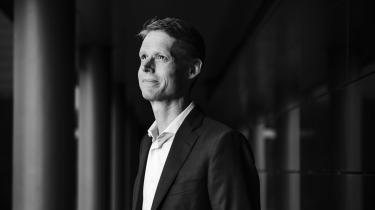 Da Ørsteds direkter Henrik Poulsen mandag opsagde sin stilling som topchef, faldt Ørsteds aktiekurs morgenen efter med tre procent. I løbet af én nat blev der barberet knap ti milliarder kroner af selskabets markedsværdi.