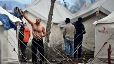 Kroatien ønsker at tilslutte sig til EU's paskontrolfrie Schengenområde. En forudsætning er dog, at landet lever op til europæiske menneskerettighedsstandarder ved sine grænser. Og det kniber det med: Flygtninge som forsøger at komme ind i EU fra Bosnien (billedet) mødes ofte af hårdhændet behandling fra Kroatiens grænsepoliti.