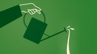 Verden er forandret, har statsminister Mette Frederiksen sagt. Spørgsmålet er så, hvordan vi genopretter den i en ny og grønnere udgave. Ifølge Inge Røpke er svaret større omfordeling mellem rig og fattig samt et opgør med BNP-vækst. Hun er professor i økologisk økonomi og denne uges gæst i Informations klimapodcast, Den grønne løsning