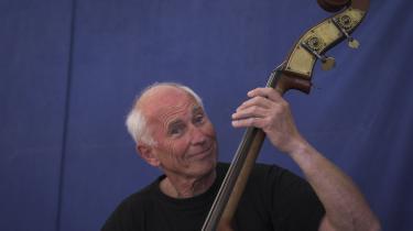 Også som iværksætter udfyldte Jøgen Wilson basistens rolle som ham, der samler det hele.
