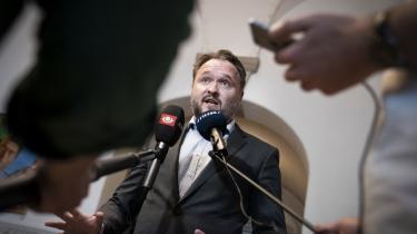 Klimaminister Dan Jørgensen fik torsdag en næse for nøl af et flertal bestående af de blå partier og De Radikale.