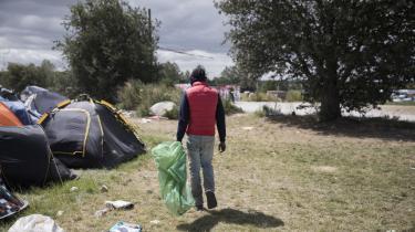 Med aflysninger af sommerens festivaler går de uregistrerede migranter, der i høj grad lever af at indsamle pant, en vanskeligere sommer i møde. Ny rapport sætter spot på de kummerlige sundhedsforhold, som mange af dem lever under.