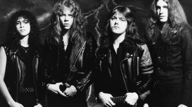 I begyndelsen af 1980'erne rejste en ny musikalsk modkultur sig i San Francisco. Unge, vrede og med meget lidt til overs for hippiegenerationens snak om blomster, kærlighed og fred. 'Kill 'Em All' (1983) hed thrashscenens første hovedværk, udsendt af et ungt band med en dansk tilflytter ved navn Lars Ulrich bag trommerne: Metallica.