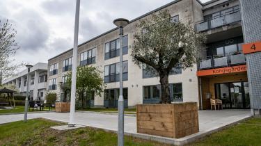 Tilsynsrapporter samt både gamle og nye klager over plejehjemmet Kongsgården i Aarhus viser, at sagerne om omsorgssvigt strækker sig flere år tilbage.