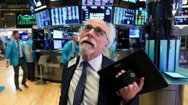 Frisættelsen af Wall Street og dominansen af finans er en af tre hovedårsager til, at det amerikanske demokrati ikke bare er i dvale, men de facto bukket under, argumenterer tidligere arbejdsminister Robert Reich i ny bog.